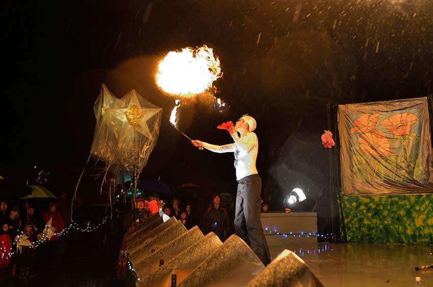 Fire at the Pageant | sinterklaashudsonvalley.com